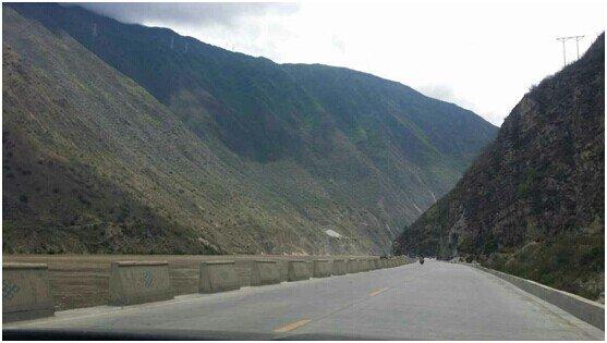 """雪漠:环山路上的十小时(2)——""""从岭南到西部""""之三十三 - 雪漠 -"""