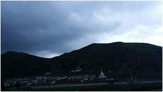 雪漠:暮风中的风马旗:从武威到卓尼(3) - 雪漠 -