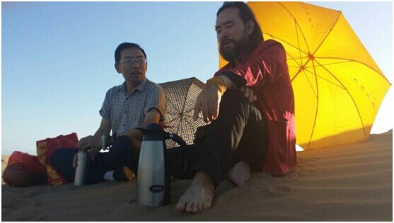 """雪漠:走进腾格里沙漠深处(1)——""""从岭南到西部""""之七十九 - 雪漠 -"""